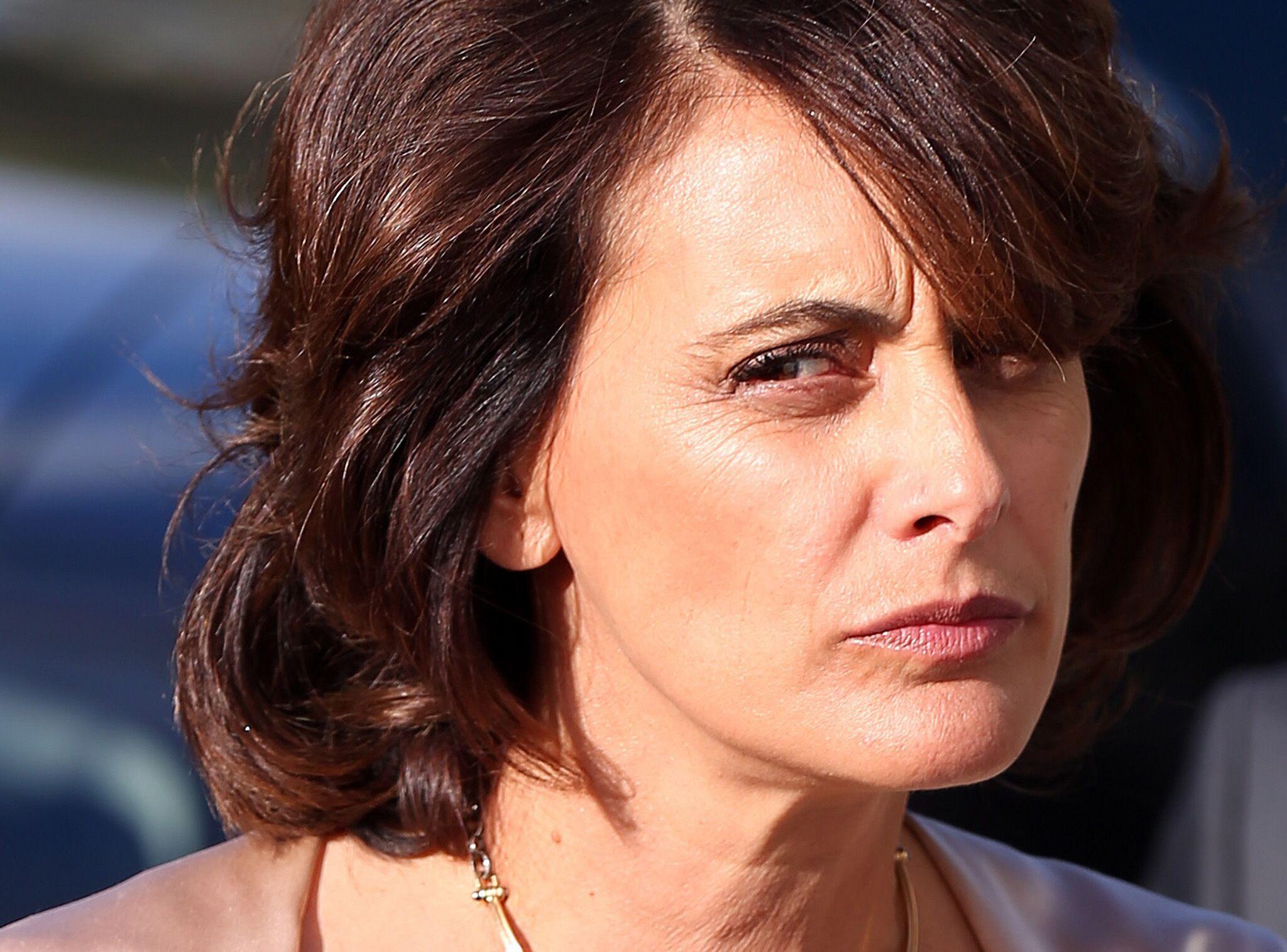 Inès de la Fressange condamnée à détruire une partie de sa villa provençale  construite illégalement - Voici 59e1d7ff03ab