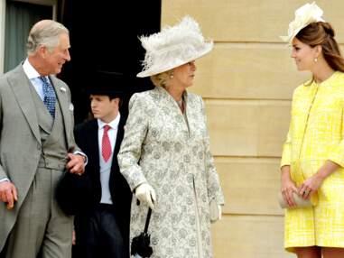 Kate Middleton en jaune lors de la garden party de Buckingham palace
