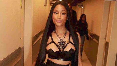 PHOTOS Nicki Minaj pose toute nue, avec une grosse corde et des bijoux pour seuls accessoires