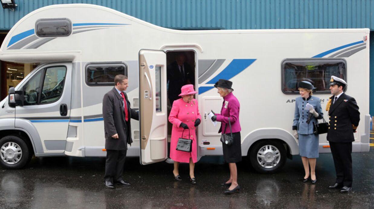 DIAPO La reine d'Angleterre fait un tour de camping-car