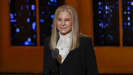 Barbra Streisand: Siri prononce mal son nom, elle appelle le patron d'Apple pour une rectification