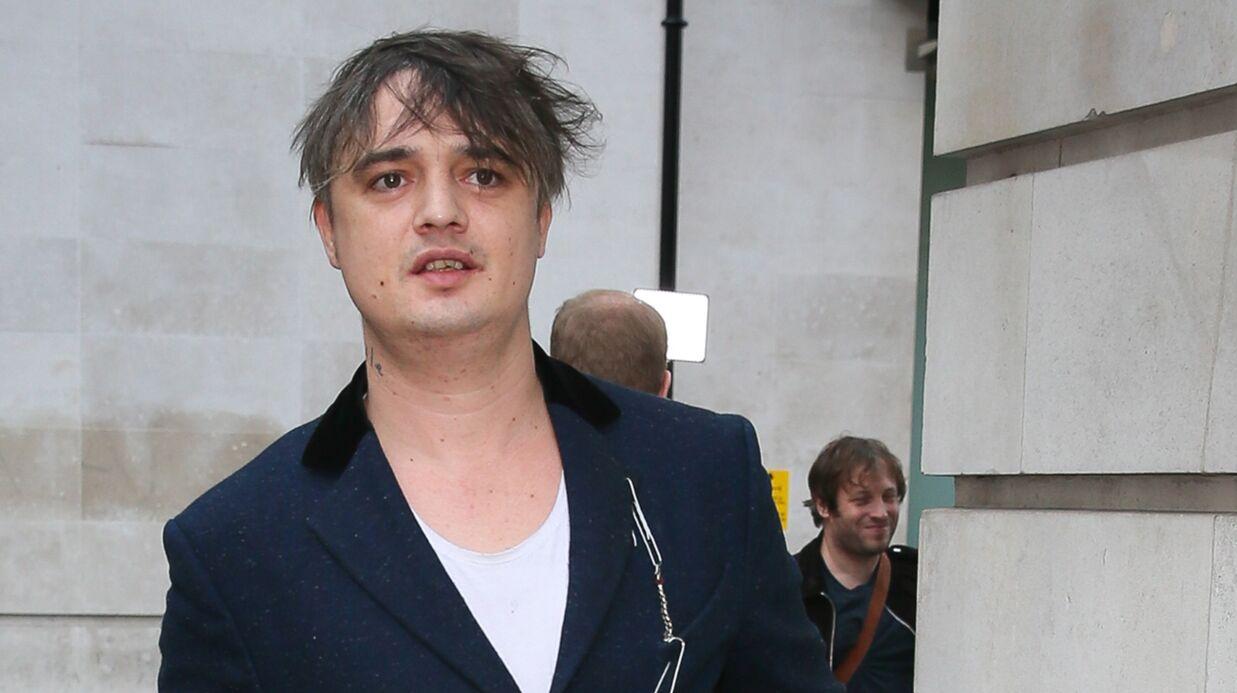 PHOTO Pete Doherty se met tout nu, si ça vous tente…