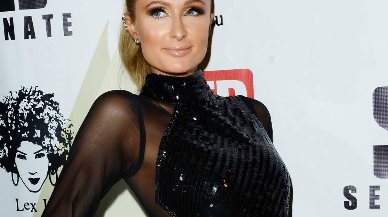 PHOTOS Paris Hilton ose la robe transparente sans AUCUN sous-vêtement