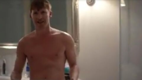 VIDEOS James Blunt fait la promo de son nouvel album tout nu