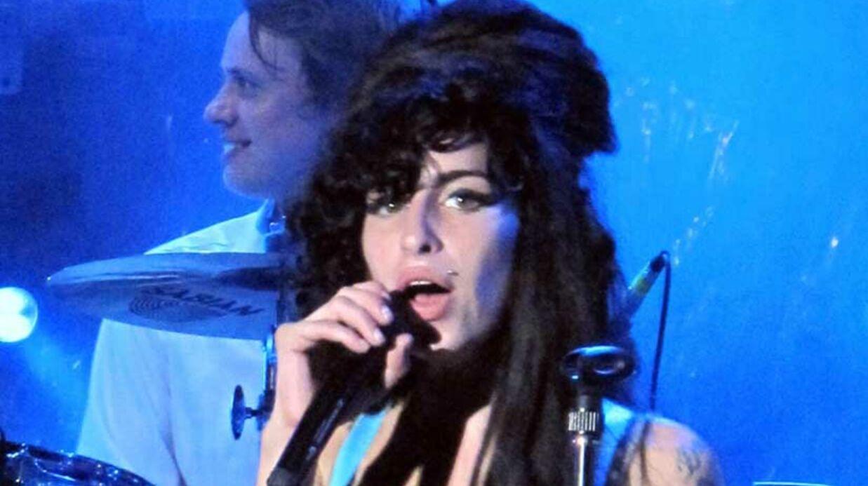 Amy Winehouse: les people expriment leur tristesse