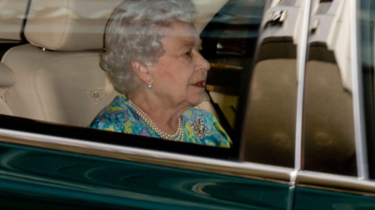 DIAPO La reine Elizabeth a ENFIN vu le bébé de Kate et William