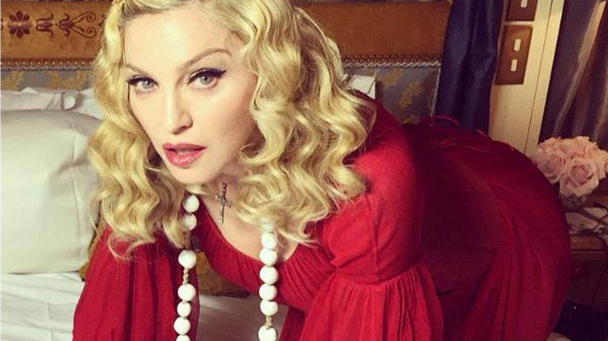 PHOTO Madonna en résille et sans maquillage
