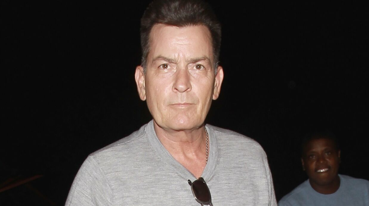 Charlie Sheen: une ex porte plainte après avoir eu des relations sexuelles avec l'acteur