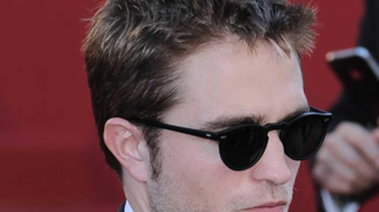 PHOTOS Kristen Stewart et Rob Pattinson montent les marches pour On The Road