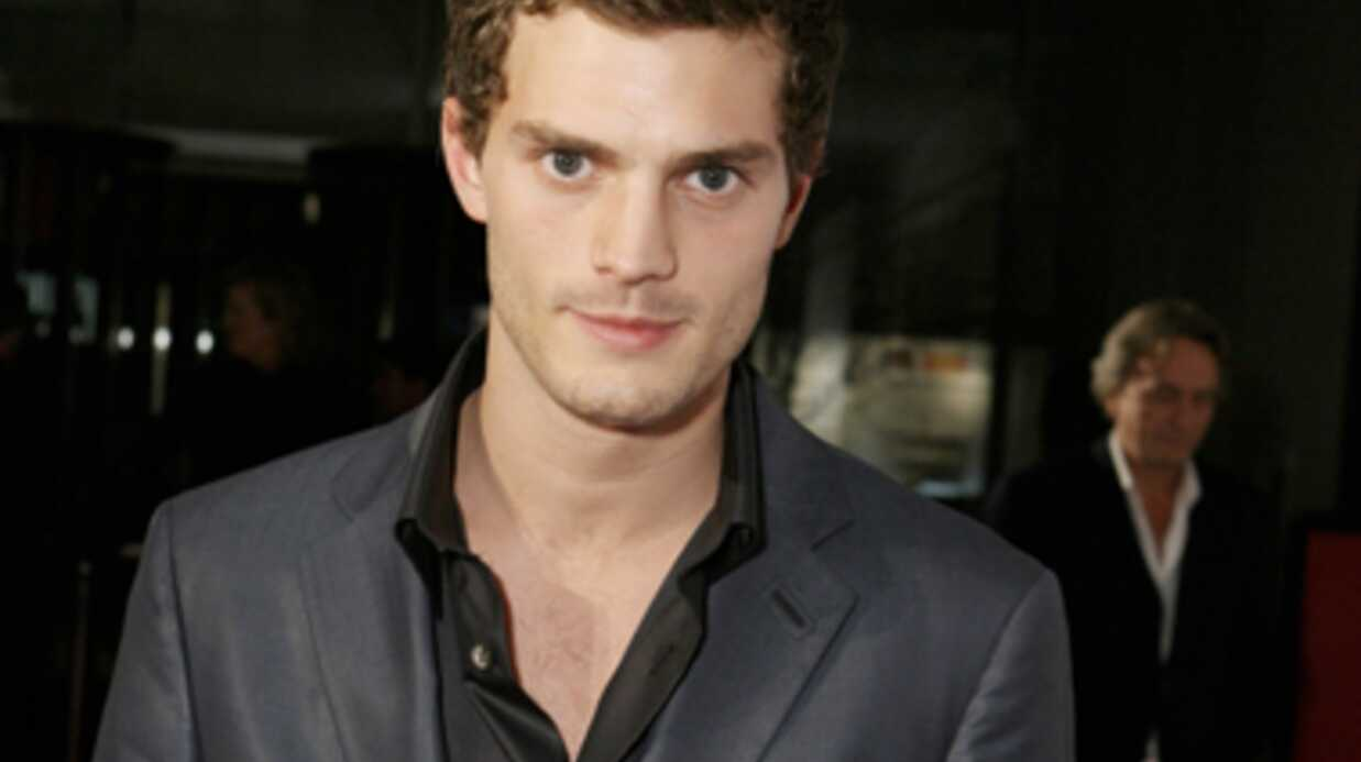 Jamie Dornan incar­nera Chris­tian Grey dans Fifty Shades of Grey