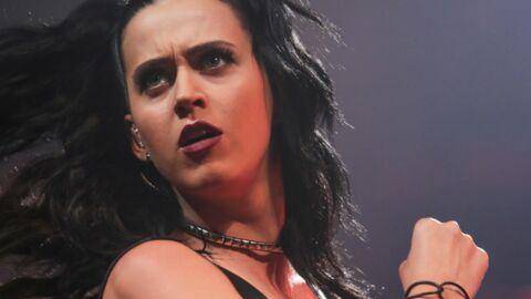 Katy Perry garde deux souvenirs TRES étranges dans son portefeuille