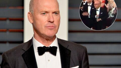 VIDEO Gros malaise aux Oscars: Michael Keaton, battu, range son discours