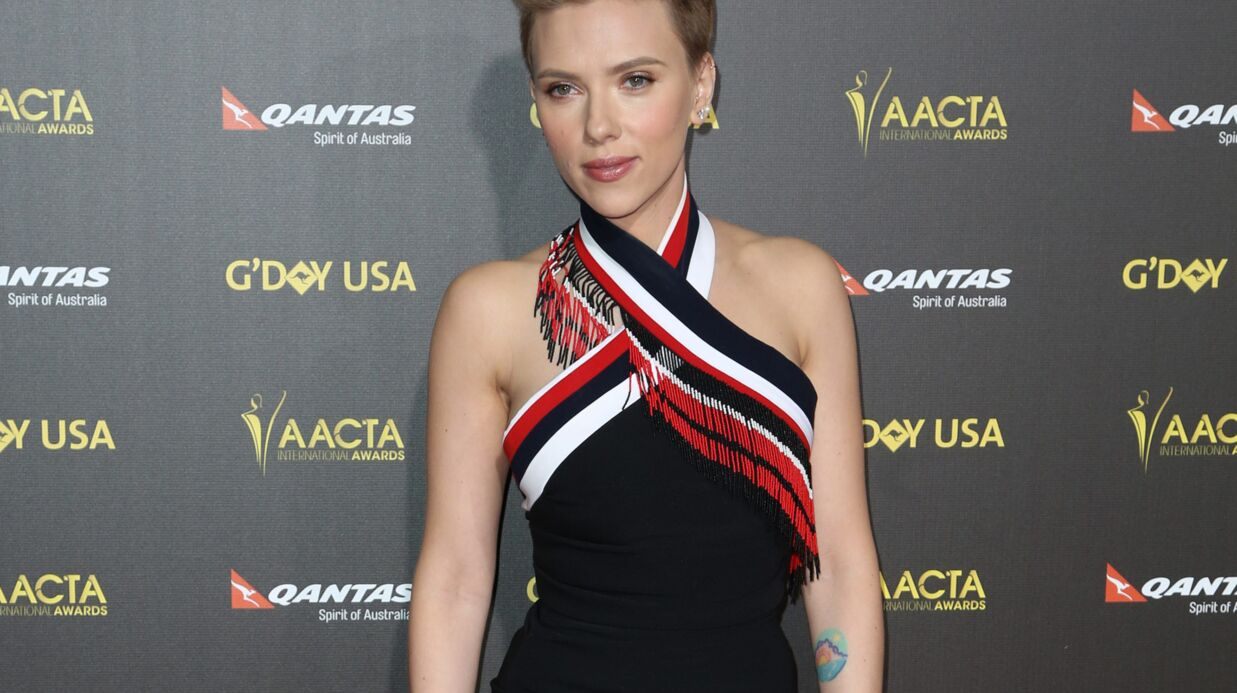 Scarlett Johansson dévoile le titre Candy avec son nouveau groupe The Singles