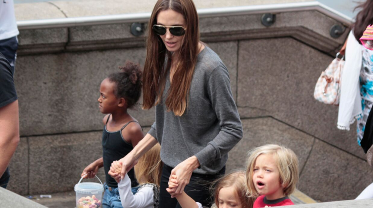 DIAPO Angelina Jolie à l'aquarium avec sa tribu