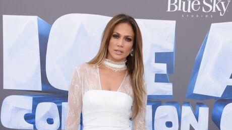 PHOTO Jennifer Lopez: sa tenue d'anniversaire à la fois sexy et étrange