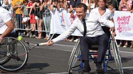 PHOTOS Emmanuel Macron soutient la candidature de Paris aux JO 2024 et joue au tennis en fauteuil roulant