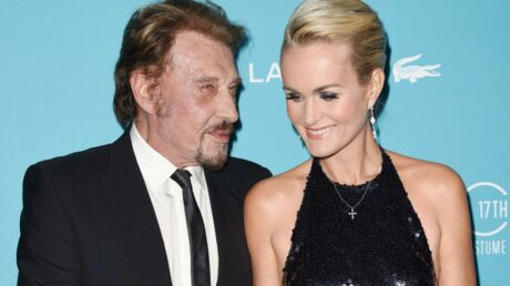 Johnny Hallyday poste une photo de Laeticia nue pour illustrer son nouveau tatouage