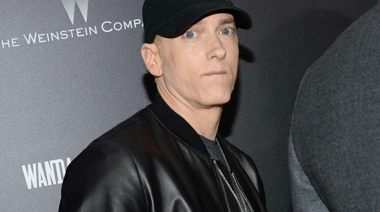 Eminem réédite un album et l'accompagne de briques de sa maison d'enfance