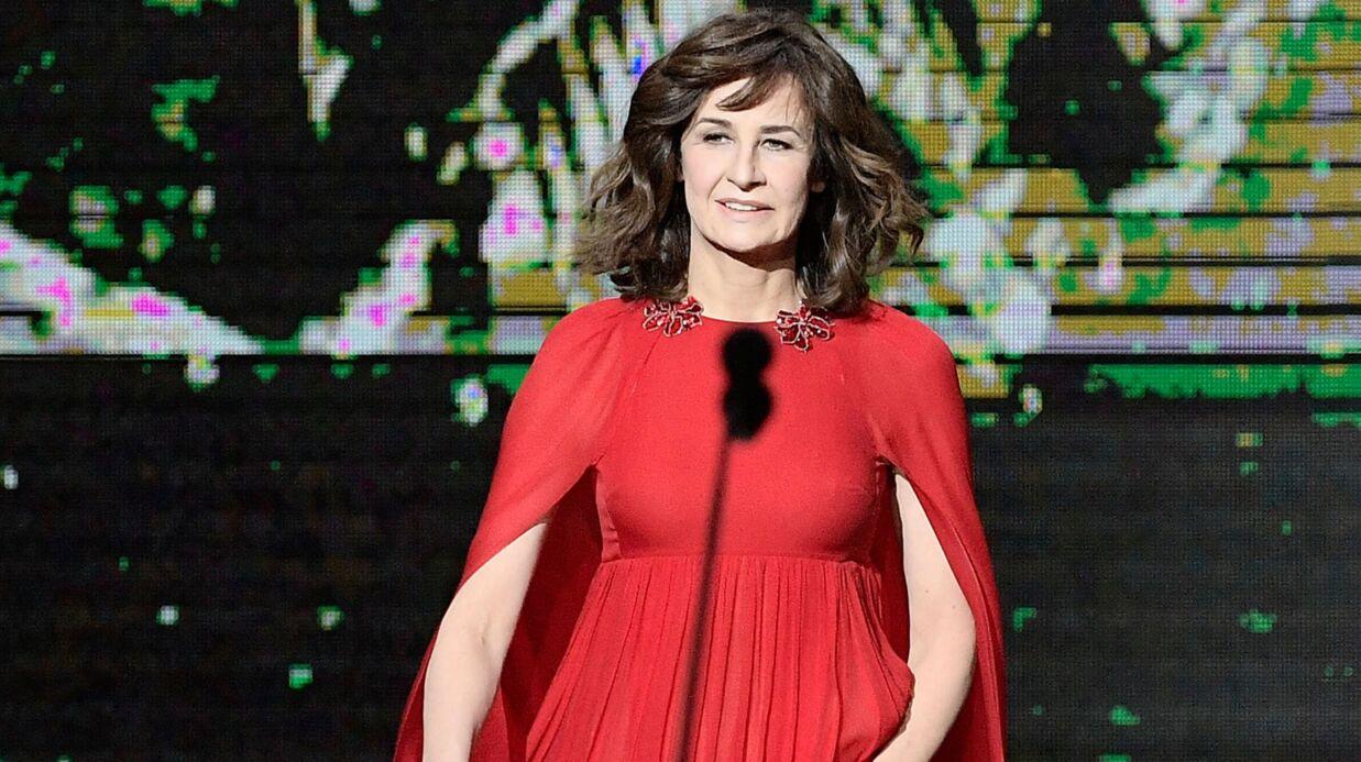 Valérie Lemercier raconte comment elle gère le trac avant de monter sur scène et c'est hilarant