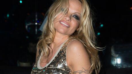 Pamela Anderson divorce parce qu'elle «s'ennuie au lit» avec son mari