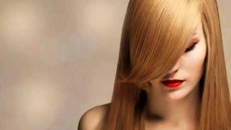 Help! Comment garder ses cheveux lisses plus longtemps