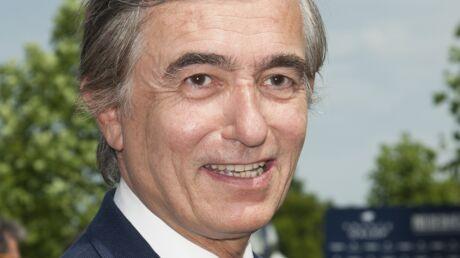 L'ex-ministre Philippe Douste-Blazy accouche en urgence une femme dans un avion en plein vol