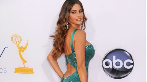 DIAPO La plantureuse Sofia Vergara craque sa robe aux Emmy Awards