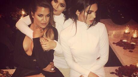 PHOTOS Le Noël très sexy des soeurs  Kardashian-Jenner