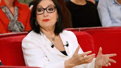 Nana Mouskouri trouve les télé-crochets «extrêmement cruels»
