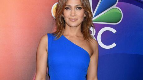 PHOTO Jennifer Lopez, en peignoir et au naturel, fête l'anniversaire de son manager