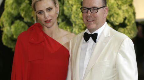 PHOTOS 67e gala de la Croix-Rouge: Charlène et Albert de Monaco, un couple très glamour pour la bonne cause