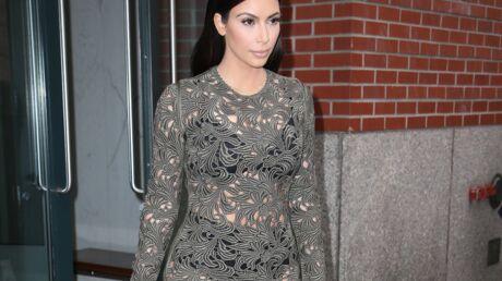 PHOTOS Le terrible fashion faux pas de Kim Kardashian, qui s'expose en sous-vêtements