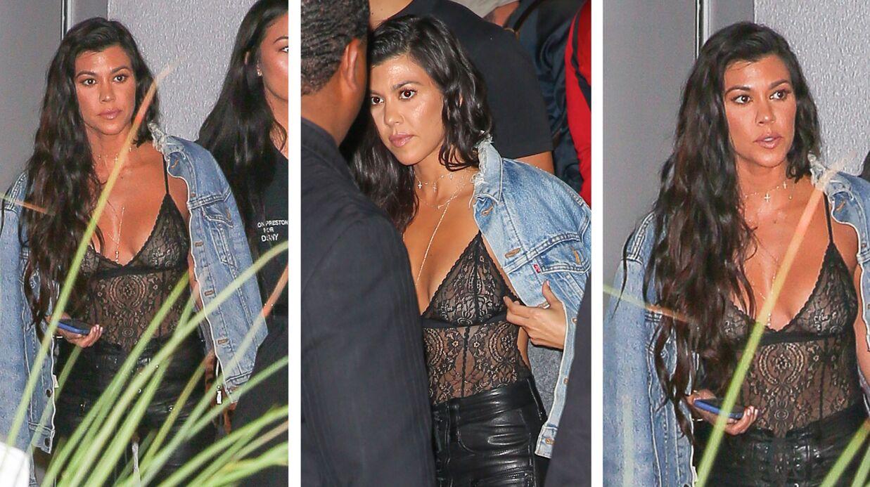 PHOTOS Kourtney Kardashian va au concert de Kanye West les seins complètement à l'air