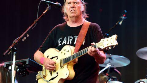 Neil Young et sa femme Pegi divorcent après 36 ans de mariage