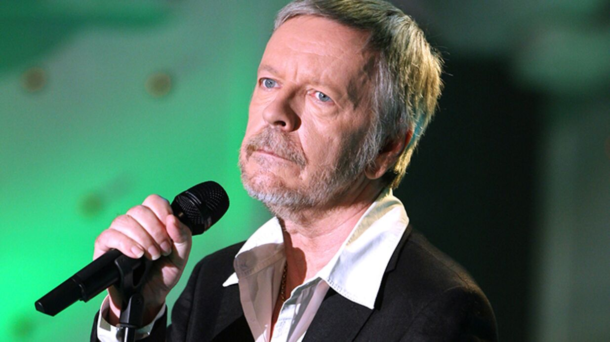 Renaud reste «attaché à la vie», selon son biographe