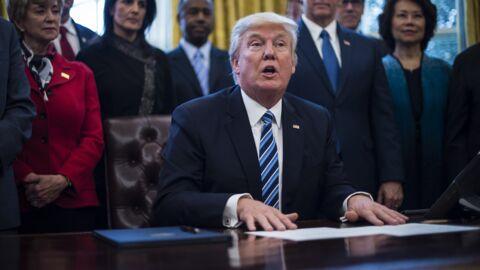Donald Trump a fait installer un bouton sur son bureau pour avoir… du Coca à la demande
