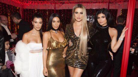 PHOTOS Voitures de luxe, sacs griffés, petits chiens… Étalage de richesse chez les Kardashian pour Noël