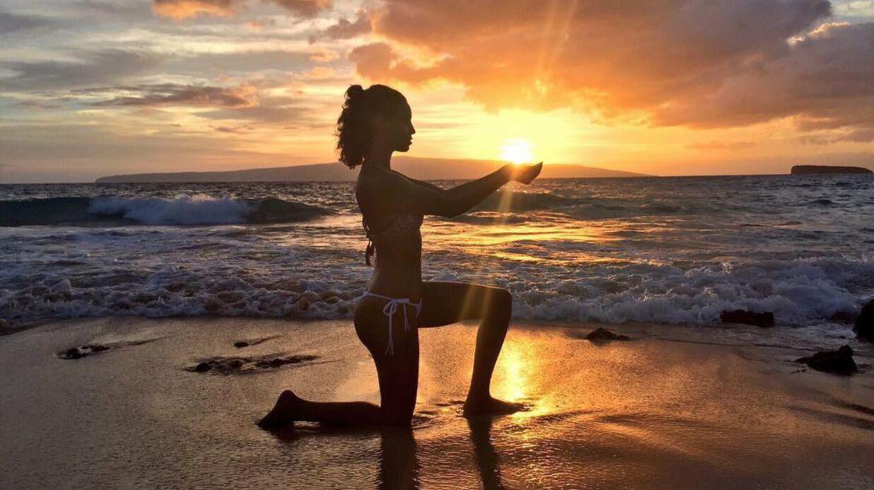 PHOTOS Tal dévoile son corps sans défaut devant un coucher de soleil