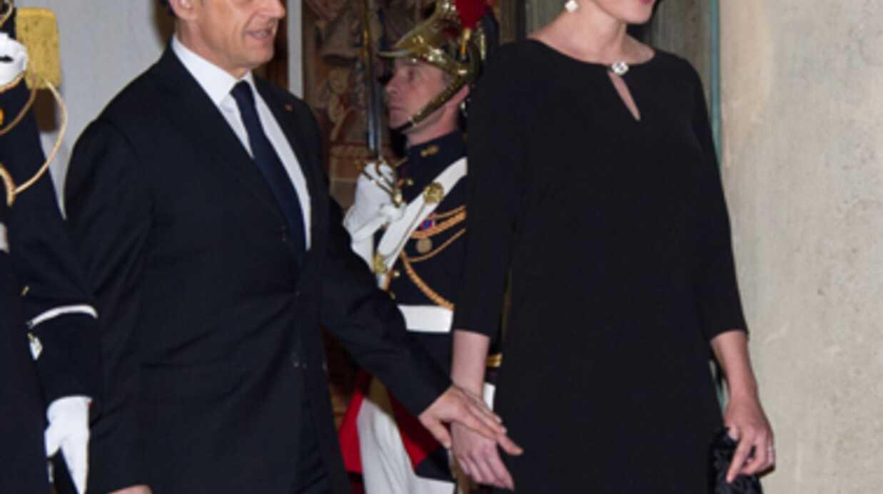 PHOTOS Carla Bruni très souriante hier soir à l'Elysée