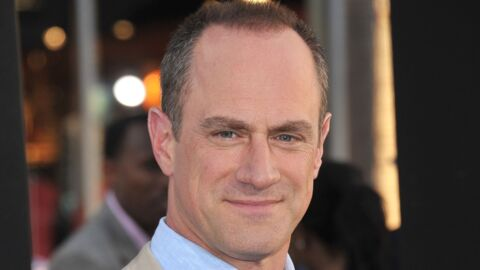 PHOTO Chris Meloni (New York Unité Spéciale) pose à moitié nu pour protester contre Donald Trump