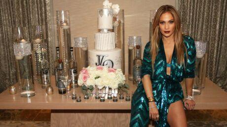 PHOTO Jennifer Lopez très sexy et bien entourée pour sa soirée d'anniversaire (digne des Feux de l'Amour)