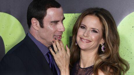 photos-john-travolta-et-sa-femme-coupent-court-aux-rumeurs