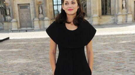 PHOTOS Marion Cotillard et Carla Bruni très élégantes et sages pour Dior