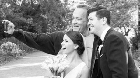 photos-tom-hanks-s-incruste-sur-des-photos-de-jeunes-maries-le-resultat-est-genial