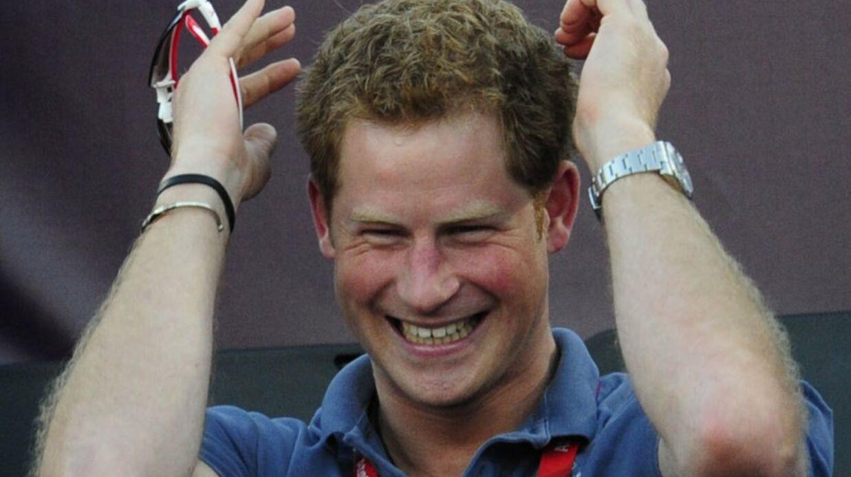 PHOTOS Le prince Harry soutenu par des centaines d'internautes nus