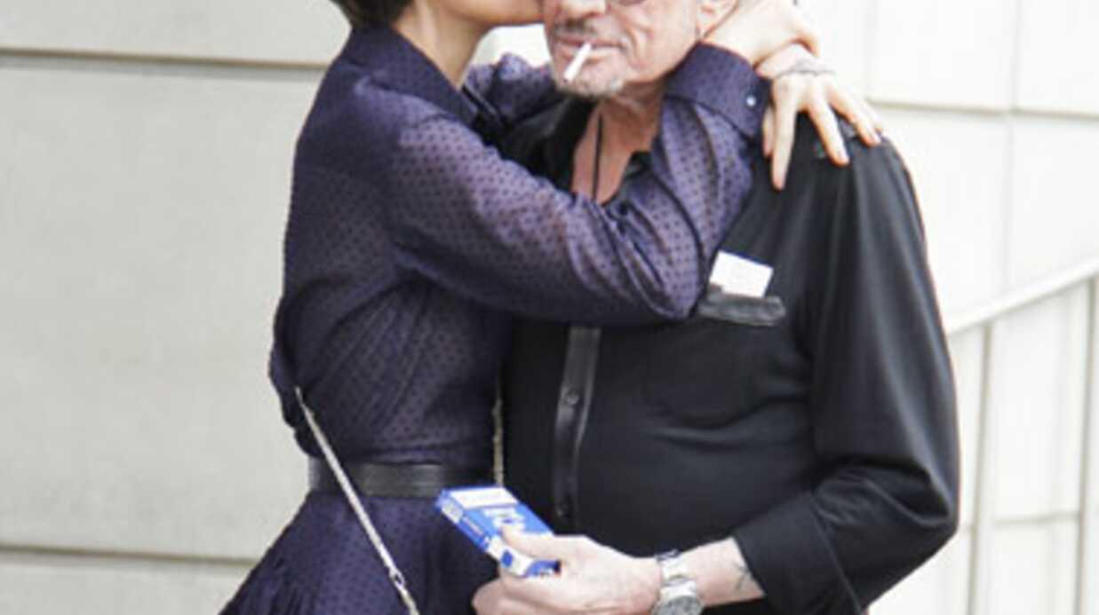 Johnny Hallyday va sortir sa bio avec Amanda Sthers