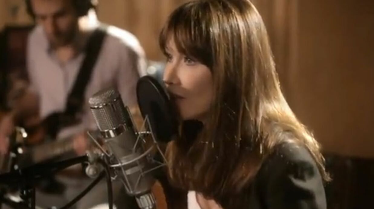 VIDEO Décou­vrez le nouveau single de Carla Bruni-Sarkozy