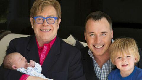 Elton John présente son deuxième fils Elijah