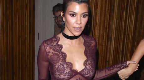 PHOTOS Kourtney Kardashian en top très transparent pour un dîner entre copines
