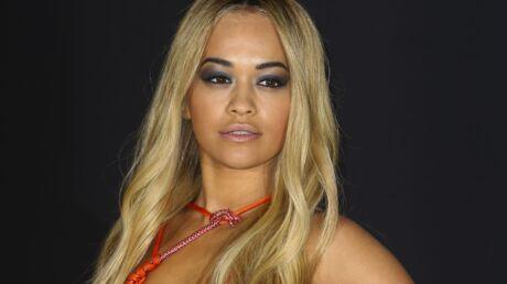 PHOTO Rita Ora hyper sexy et topless en couverture de Lui